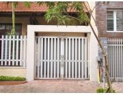 Sử dụng cửa cổng sắt 2 cánh trong kiến trúc xây dựng