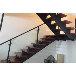 Cầu thang sắt kiểu xương cá